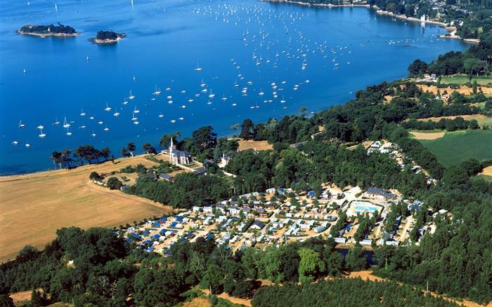 Camping familial 4 toiles labellis sites et paysages for Camping bretagne sud avec piscine couverte 4 etoiles